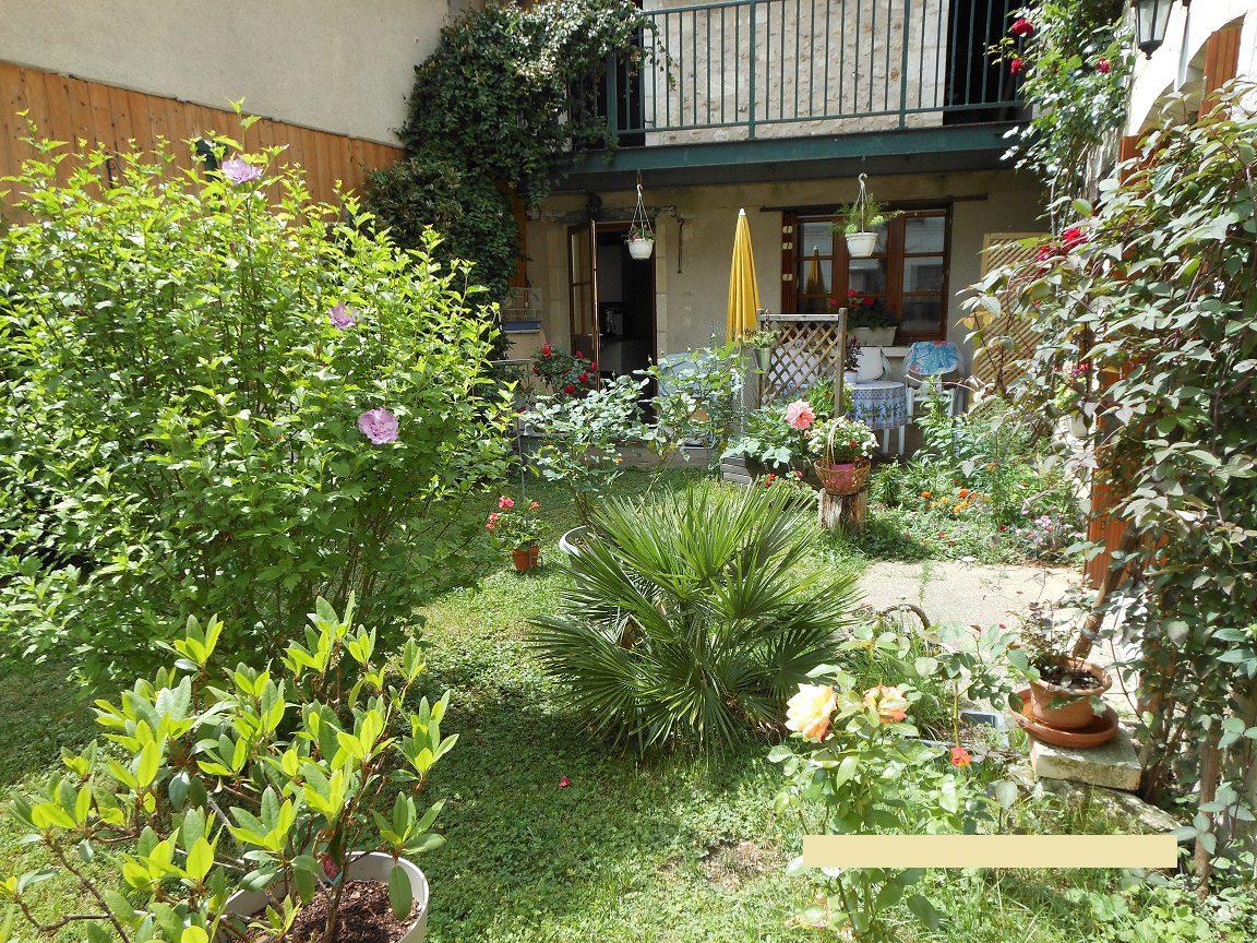 Maison de bourg à  LA CELLE-GUENAND
