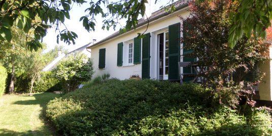 Ravissante maison de plain-pied avec sous-sol à Courçay (37)